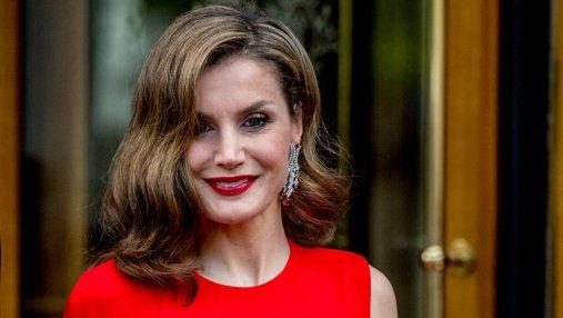 Королева Испании засветила яркие платья в США: фото
