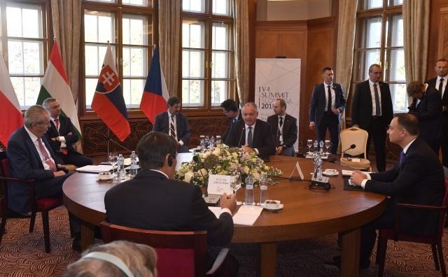 Президенты Вышеградской группы обсудили миграционную политику Евросоюза