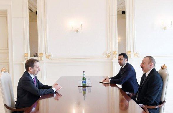 Глава внешней разведки России на переговорах у Ильхама Алиева фото