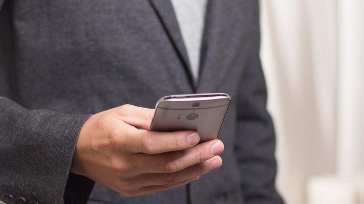 Смартфоны Xiaomi и Huawei шпионят за пользователями