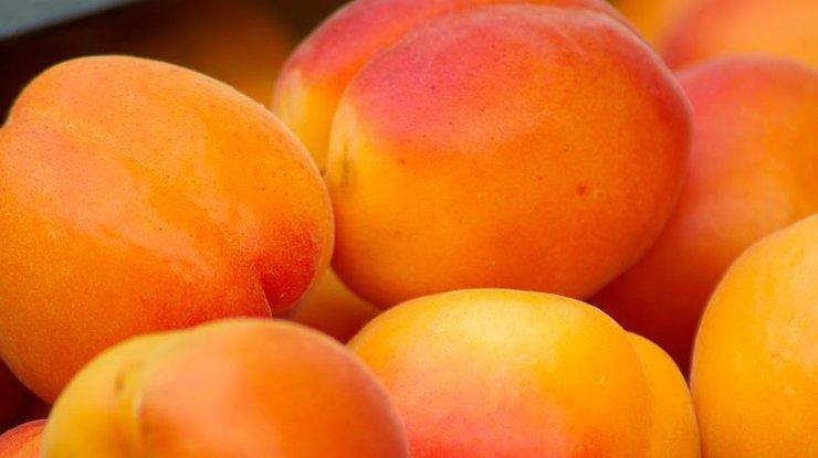 Кому нельзя есть абрикосы
