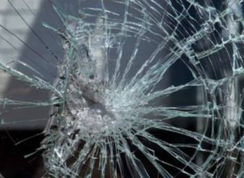 На трасі Одеса-Рені невідомі обстріляли рейсовий автобус