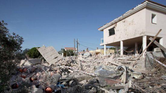 В укрытии террористов испанские полицейские нашли вещество «мать Сатаны»