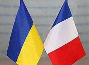 Ukrainian president discusses cooperation in renewable energy, Nord Stream 2 threats with French PM