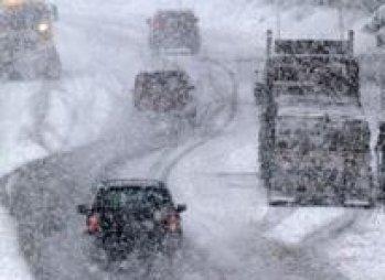 У понеділок через снігопад у Київ не пускатимуть вантажівки