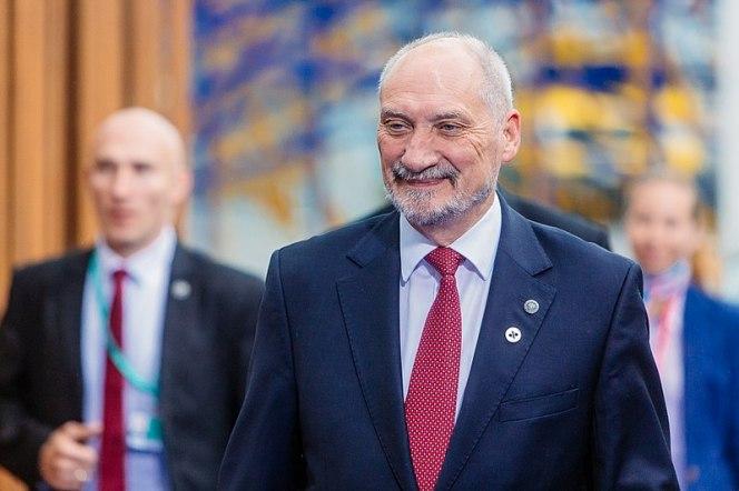 Екс-міністр оборони Польщі: Німеччина проводить політику союзу з Росією