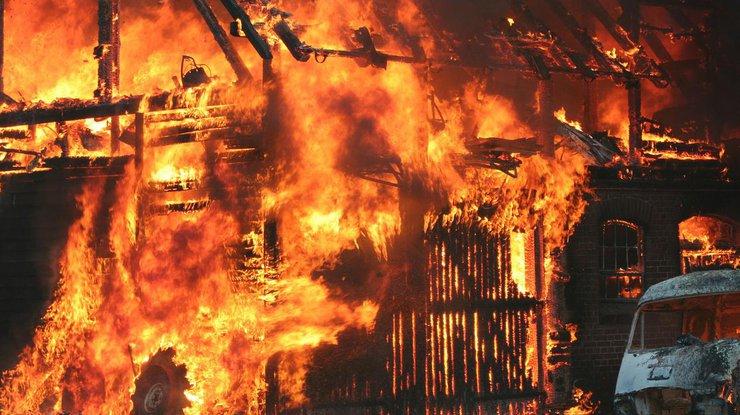 Дом известного актера сгорел дотла (фото)