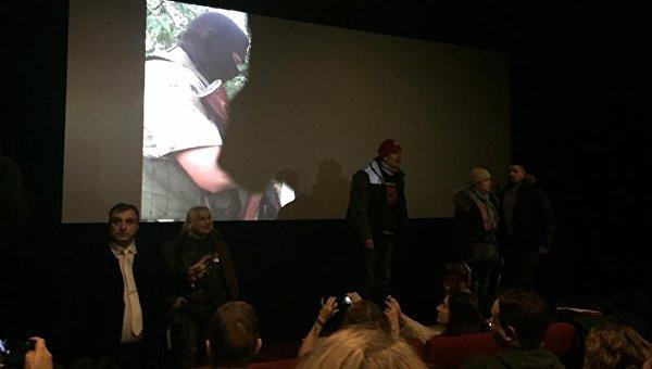 В Москве задержаны 4 человека, сорвавшие показ фильма о войне в Донбассе