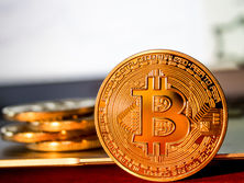 Биткоин может стать основной валютой для теневого бизнеса стран, попавших под санкции