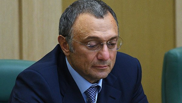 Во Франции задержан российский сенатор