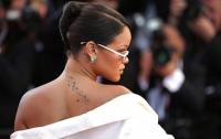 Критика певицы Рианны обрушила стоимость акций Snapchat на 800 миллионов долларов