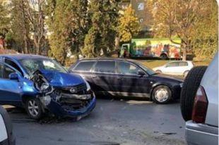 В Черновцах в ДТП попала девушка-водитель во время видеозаписи для соцсети