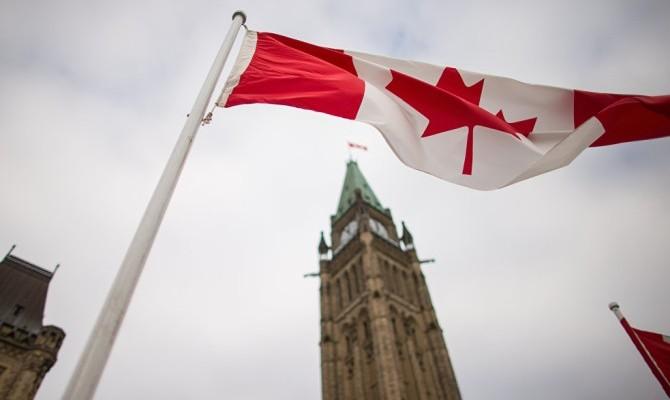 Парламент Канады рекомендовал правительству расширить санкции против России