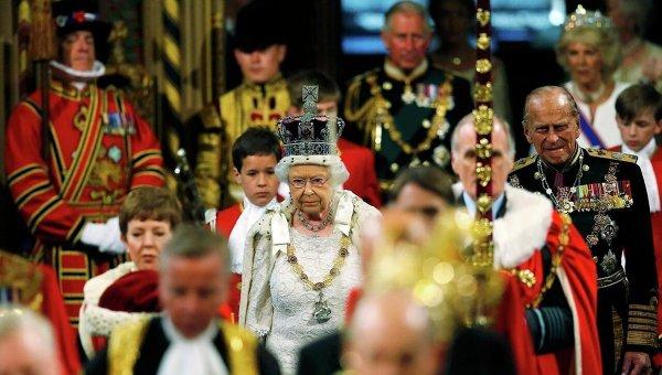 Елизавета II не уступит трон принцу Чарльзу