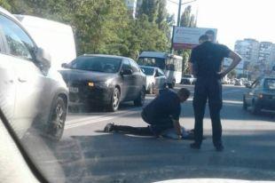 В Николаеве женщина сбила двух девушек на переходе и отрицает свою вину