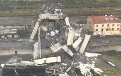 У Генуї обвалився міст з автомобілями
