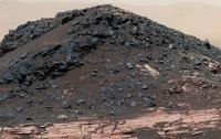 Зонд NASA отыскал на Марсе лед там, где его не могло быть