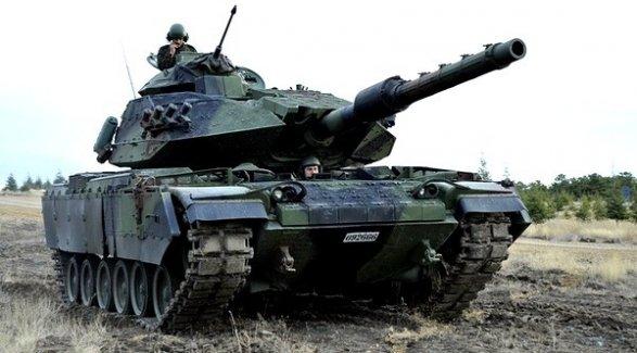 Турция ввела танки в Африн: началась наземная операция обновлено