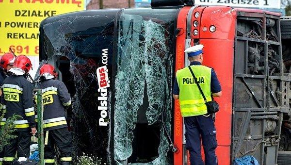 В Польше перевернулся автобус, 28 пассажиров пострадали