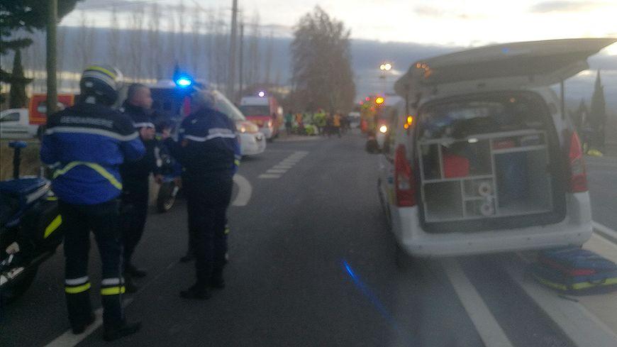 Во Франции при столкновении поезда и школьного автобуса погибли три человека