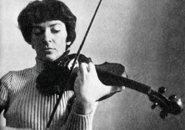 Violinist Wanda Wiłkomirska to be laid to rest in Warsaw