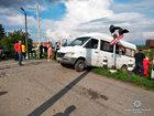 Двоє людей загинуло, семеро госпіталізовано внаслідок зіткнення мікроавтобуса з поїздом на переїзді в Чернівецькій області. ВІДЕО+ФОТОрепортаж
