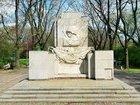 Памятник благодарности советским солдатам демонтируют в Варшаве. ФОТО