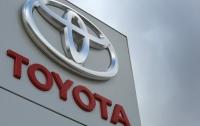 Toyota придумала способ борьбы с «черными дырами» в салоне авто