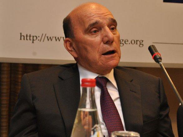 Эльхан Сулейманов победил черную икру и Совет Европы