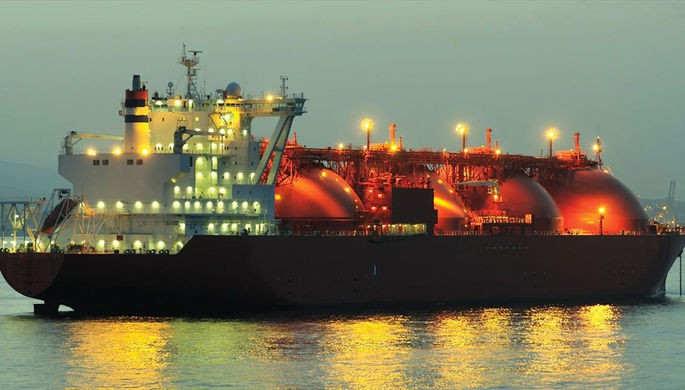 Первый танкер с газом из РФ для США развернулся посреди Атлантического океана