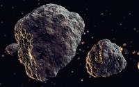 К Земле летят два крупных астероида