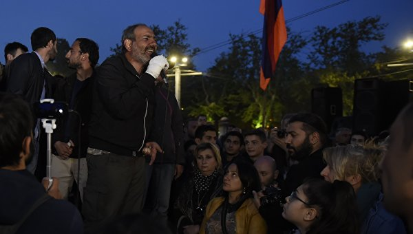Акция протеста в Ереване. Митингующие блокируют центральные улицы