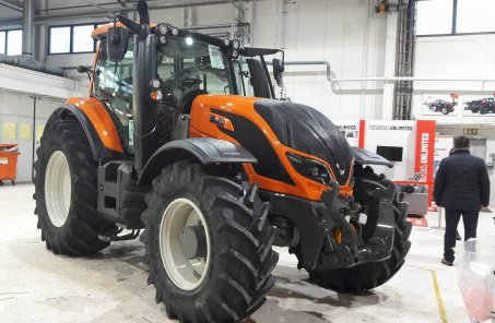 AGCO seeks to start Valtra tractor sales in Ukraine in 2018