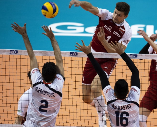 Poland beat Iran at volleyball world championships