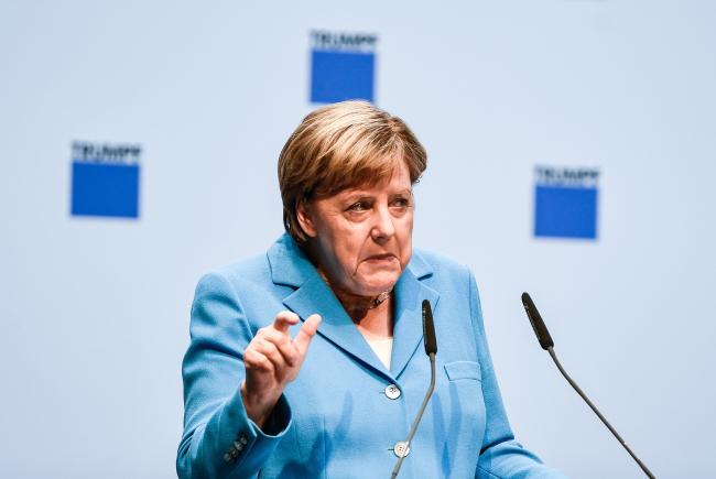 Петр Порошенко и Ангела Меркель обсудили ситуацию в Донбассе