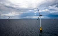 Первая в мире плавучая ветровая электростанция заработала в Шотландии (видео)