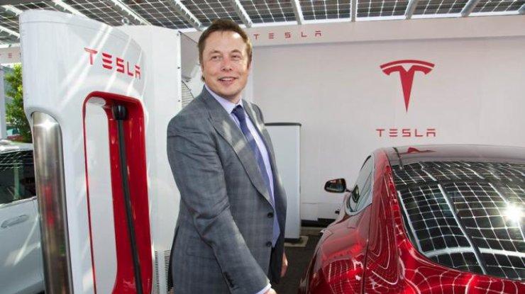 Илон Маск не продал матери Tesla Model 3 вне очереди