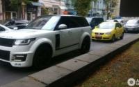 В Киеве заметили уникальный Range Rover