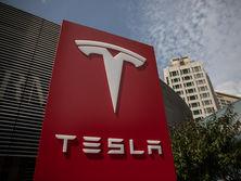 Маск владеет 20 процентов акций компании Tesla