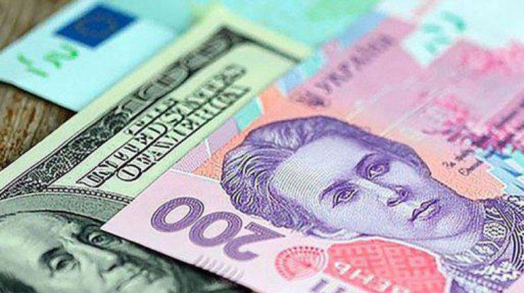 Курс доллара упал на межбанке