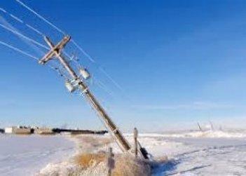 Из-за непогоды в трех областях Украины обесточены 23 населенных пункта