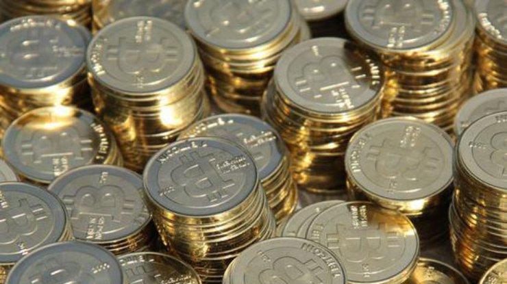 Биткоин: курс криптовалюты вернулся к росту