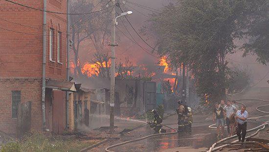 В Ростове из-за огненного «армагеддона» ввели режим ЧС: появилось новое ВИДЕО