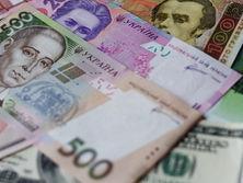 Bloomberg сообщило об укреплении гривны, несмотря на проблемы в украинской экономике