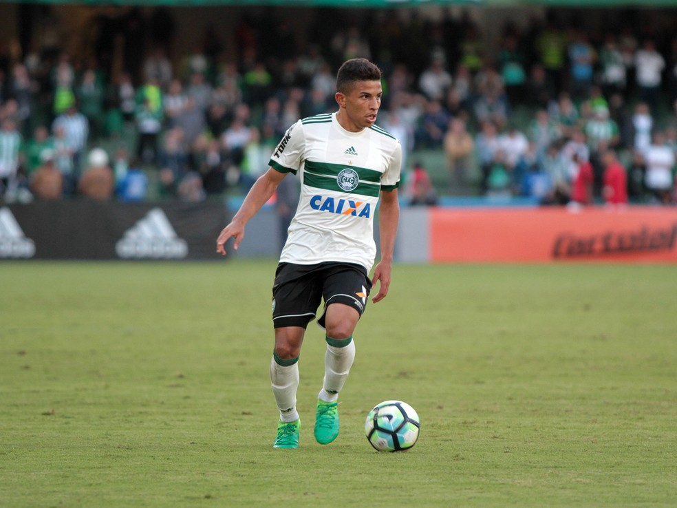 Футбол: Шахтер купит бразильского защитника за 2 млн евро