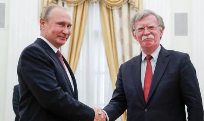 Советника Трампа Джона Болтона уличили в связи с россиянкой Бутиной
