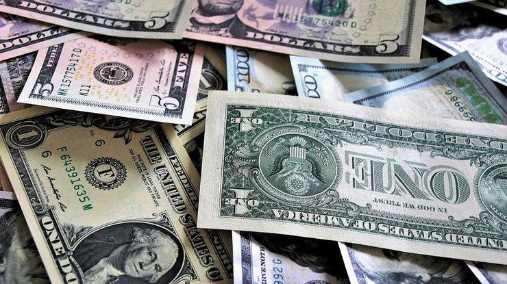Удержать доллар: НБУ продаст $100 млн