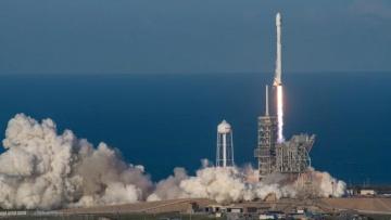 SpaceX вывела на орбиту болгарский спутник и вернула использованную ступень