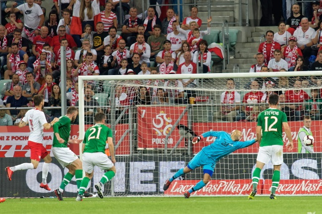 Poland draw 1-1 with Ireland in football friendly